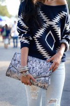 silver snake new look purse - navy printed H&M top