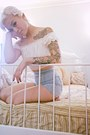 Ivory-lace-oxfords-shoes-light-blue-bdg-shorts-eggshell-2cute-top