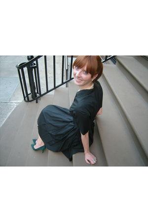 black dress - green shoes