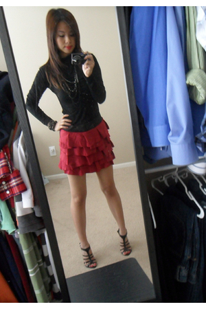 black Forever21 top - red Forever21 skirt - black Forever21 necklace - black For