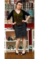 t-shirt - skirt - belt - necklace