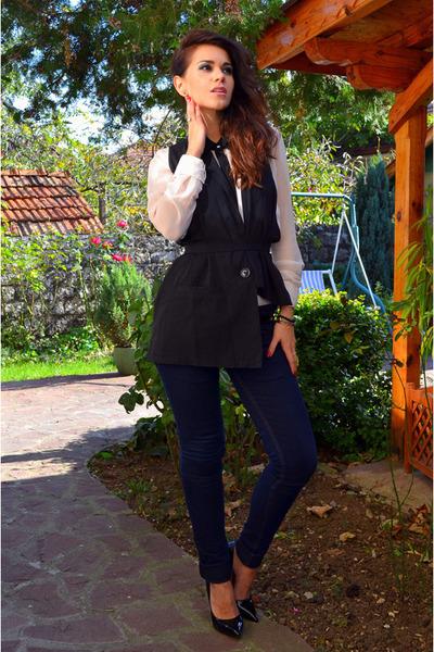 Pause vest - Dsquared2 jeans - Amisu shirt