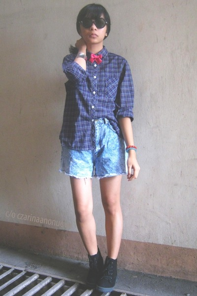 navy plaid shirt - black boots - sky blue denim shorts