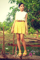 light yellow skirt - bronze belt - off white top - yellow sandals