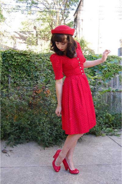 vintage dress - felt 1980s vintage hat - Charlotte Russe heels