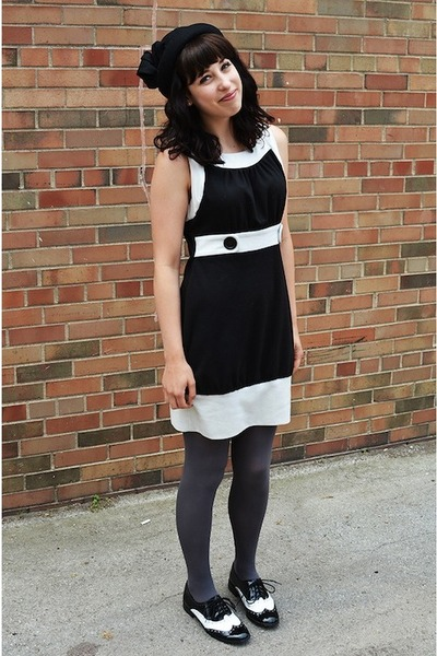 black two-tone XOXO dress - black bowler mini H&M hat