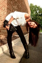 white vintage sweater - black boutique leggings - black calvin klein boots - bla