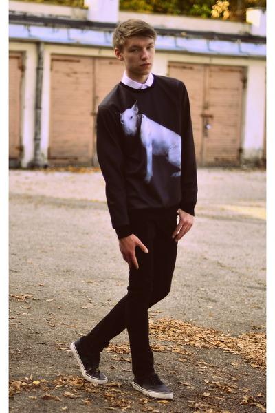 cee211fc Men's H&M Shoes, H&M Jeans, Second Hand Shirts, Choies Sweatshirts ...