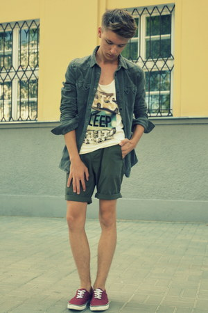 H&M shoes - H&M shirt - H&M shorts - H&M top