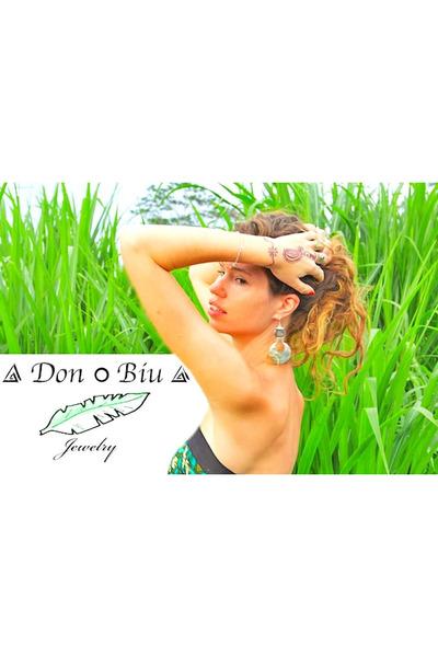 Don Biu earrings