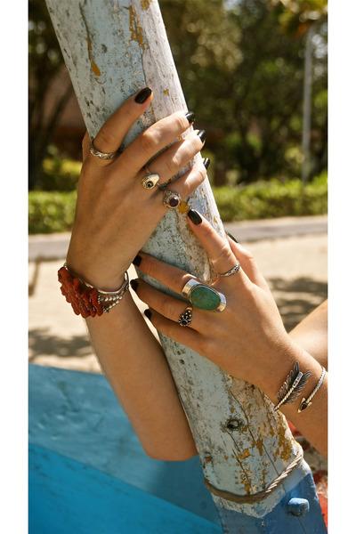 Don Biu bracelet