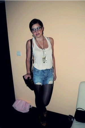 Bershka shirt - New Yorker bag - New Yorker shorts - New Yorker sunglasses