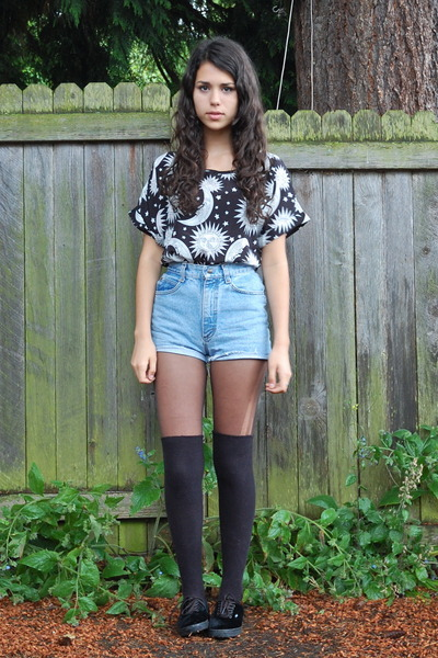 black Sheinside top - light blue Goodwill shorts