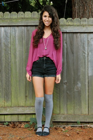pink flowy pins and needles blouse - black high-waisted style&amp;co shorts