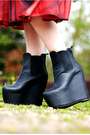 Dark-gray-wedge-nelly-boots-ruby-red-dolce-gabbana-dress