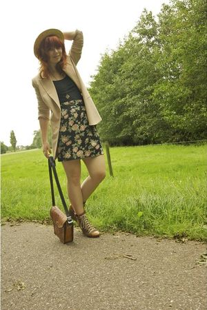 pink Vila blazer - brown lace up Chloe boots - brown vintage hat