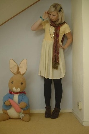 vintage dress - from my mom scarf - H&M tights - Miss L-fire shoes - vintage nec