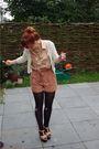 White-h-m-cardigan-beige-dahlia-blouse-brown-topshop-shorts-beige-topshop-