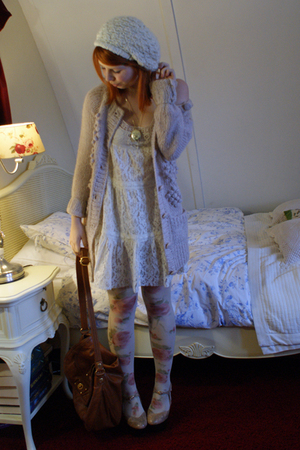 beige floral Miss Sixty tights - beige platforms Topshop shoes