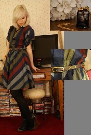 vintage dress - H&M tights - vintage belt - Stella McCartney shoes - Ilovevintag