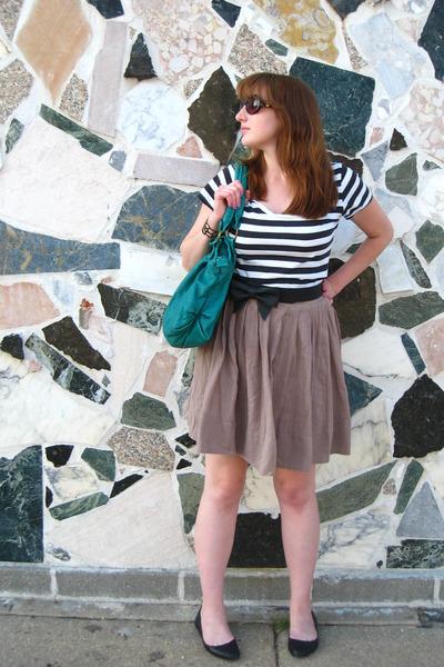 brown Mossimo skirt - black Kimichi Blue shoes - black H&M shirt - green deux lu