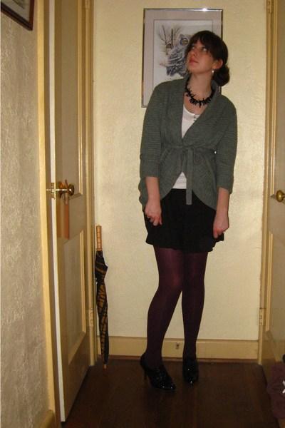 f26db529bba77 gray sweater - black skirt - white Aeropostale shirt - purple merona tights  -