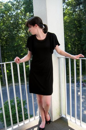 black banana republic dress - black AK Anne Klein shoes