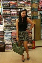 black Mango t-shirt - green Forever 21 skirt - green balenciaga bag - gray Newlo