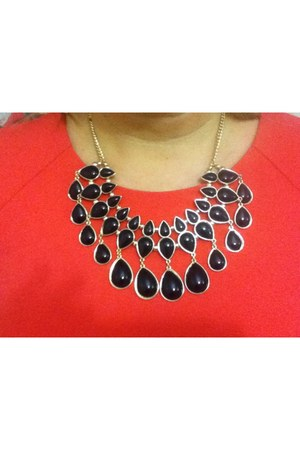 black beaded necklace H&M necklace