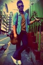 vintage top - blue denim bench jeans - Izzue shirt - brown leather vintage bag