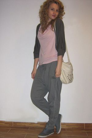 Zara blouse - Bershka pants - H&M shoes