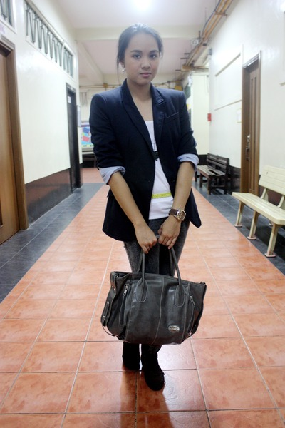 Hk Brand Boots, Zara Blazers, Carries, All Tods Bags, Mens Diesel Watches ...
