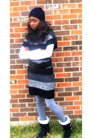 black New York & Company hat - white Max Rave top - dress - gray Max Rave leggin