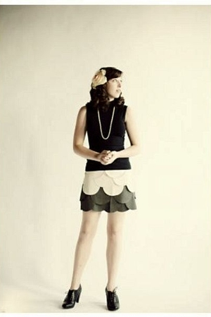 black anne taylor loft top - gray ryu skirt - black H&amp;M shoes - white necklace -