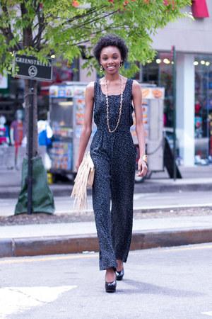 neutral clutch Danice bag - black jumpsuit Danice jumper