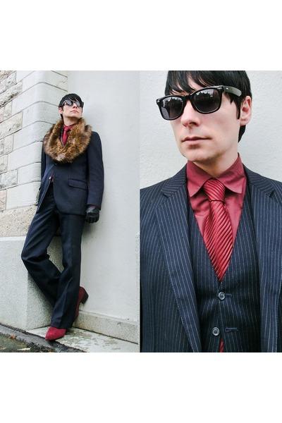 Homme De Paris suit - Retroshu boots - silk tie Dako tie