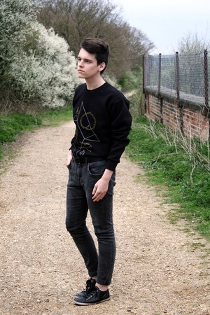 dark gray skinny H&M jeans - black Hako sweatshirt - black Burton belt