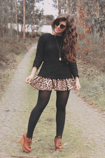 brown chicnova skirt - black Lefties sweater - black chicnova sunglasses
