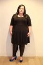Black-evans-dress-black-evans-leggings-blue-evans-heels