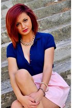 navy t-shirt - navy heels - pink skirt - necklace - bracelet