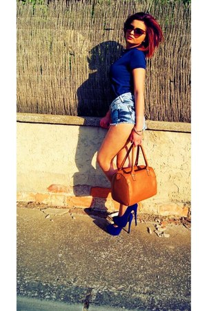 carrot orange bag - shorts - burnt orange sunglasses - navy heels - necklace