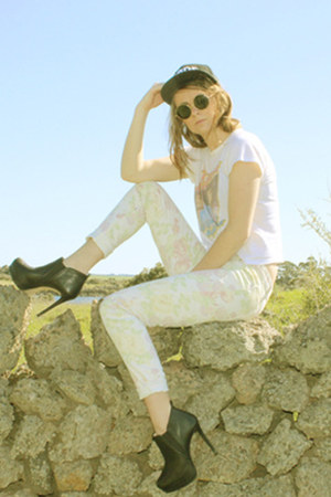 band shirt vintage t-shirt - floral print Dotti jeans - leather Zara heels
