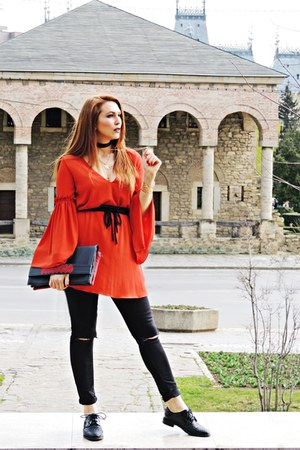 burnt orange Zara dress - black H&M jeans - black Iutta bag - black Zara flats