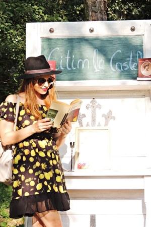 black lemon print Chicuu dress - black c&a hat - camel Rena purse