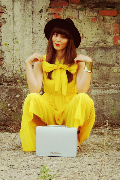 yellow jumpsuit Mart of China suit - black c&a hat - aquamarine kurtmann bag