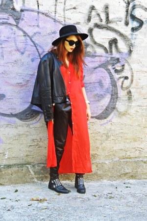black Zara boots - black vintage hat - black Mango jacket - red Zara shirt