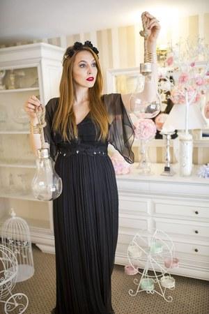 black Nichi dress