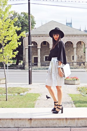 silver metallic Front Row Shop skirt - black c&a hat