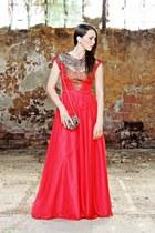 red Miss Grey dress - dark brown BLANCO bag