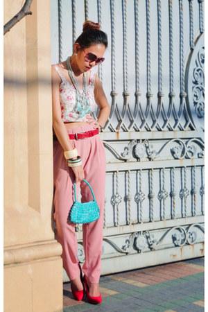 pink Nava pants - turquoise blue bangkok bag - red Zara heels